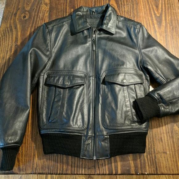 5ca9dbfccfe Men s Black Leather Bomber Jacket. M 5bbe4ed712cd4adce965293c